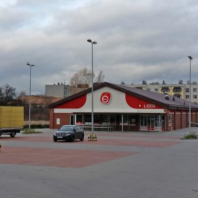 """Pawilon handlowo - usługowy """"Ledi"""", ul. Mościckiego w Częstochowie"""